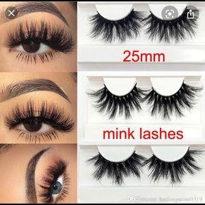 Mink strip lashes 😍